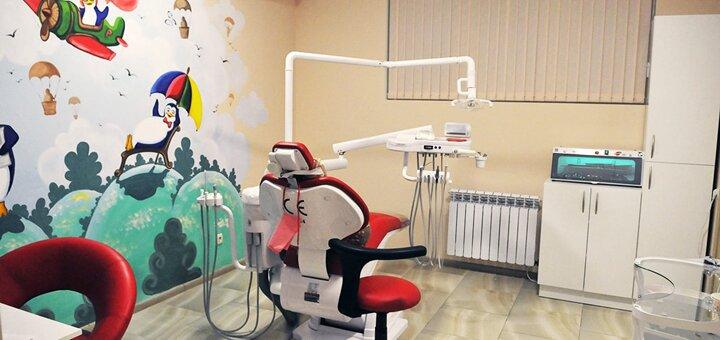 До 2 сеансов ультразвуковой, Air-Flow чистки и полировки зубов в стоматологии «Денталия»