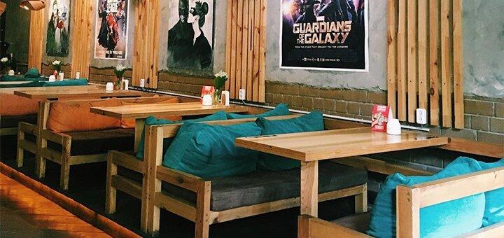 Скидка 50% на все меню кухни, разливное пиво и безалкогольные напитки в ресторане «Comics Place»