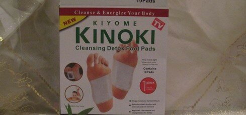 Скидка 12% на Детоксикационный пластырь для стоп Kinoki (для выведения токсинов и шлаков)