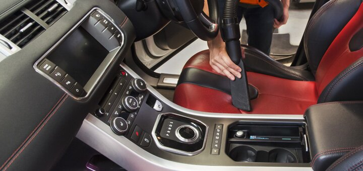 Выездная комплексная химчистка салона автомобиля от компании «Clean group»