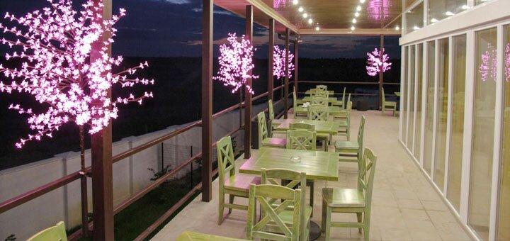 От 3 дней отдыха в отеле «Пеликан» на Кинбурнской косе на берегу Черного моря