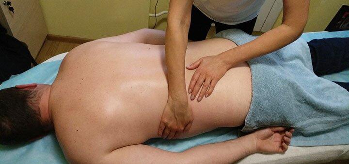 До 10 сеансов лечебного массажа спины в салоне красоты «Живана»