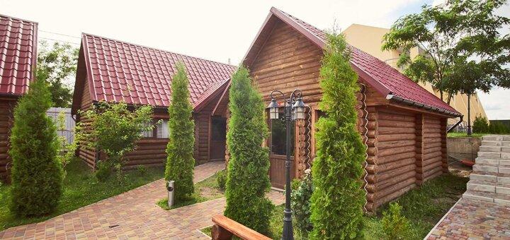 От 2 дней отдыха с завтраками,бассейном и сауной в загородном комплексе «Райский дворик» в Киеве