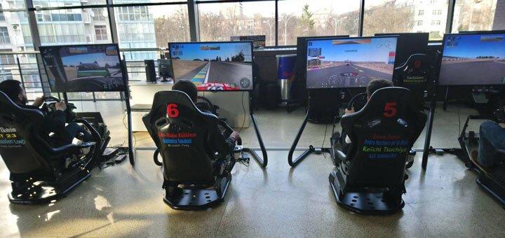 Скидка 50% на час игры на автосимуляторах с VR очками от «Kharkov GT Academy»
