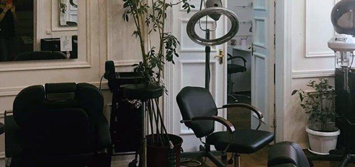 Лечебные стрижки, шелковая реконструкция, полировка волос в студии «Городецкого 15»