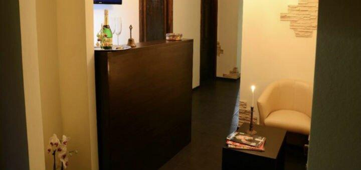 До 10 сеансов массажа лица от профессионального массажиста в клубе красоты «Avenue»