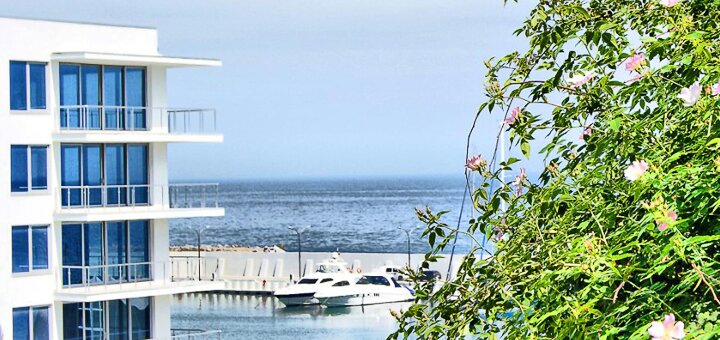 От 2 дней отдыха с завтраками в элитном SPA-отеле с пляжем «Aqua Paradise» в Одессе