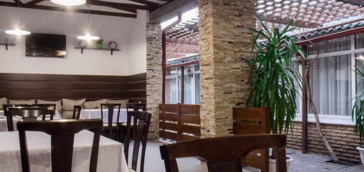 Скидка 40% на все меню кухни и бара в ресторане «Ани»