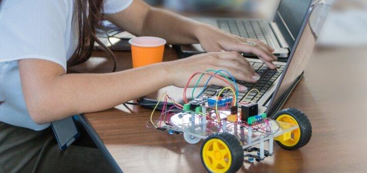 4 занятия по курсу «Основы программирования С ++» от международного центра развития «Kidbi»