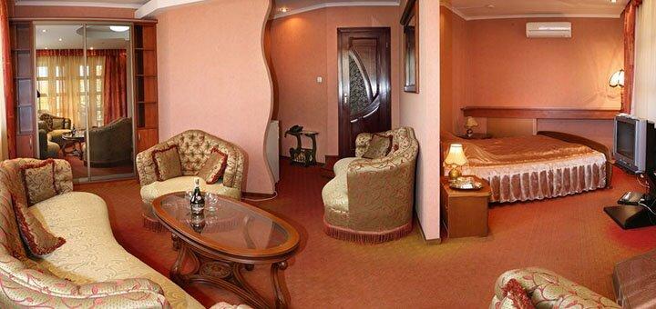 От 3 дней отдыха в отеле «Эдуард» в Ужгороде
