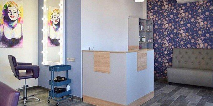 Женская или мужская стрижка, окрашивание, тонирование или цветные пряди в студии «Color Lab»