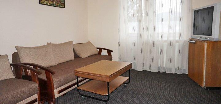 От 3 дней отдыха с питанием, бассейном и бильярдом в отеле «Калина» в Славском