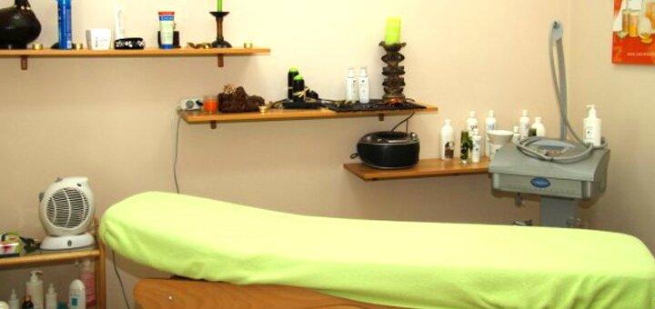 До 7 сеансов массажа спины, шейно-воротниковой зоны и ног в студии массажа «Красотка»