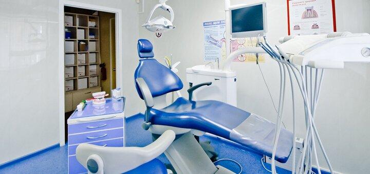 Ультразвуковая чистка зубных отложений, полировка зубов пастами в «Medeko»