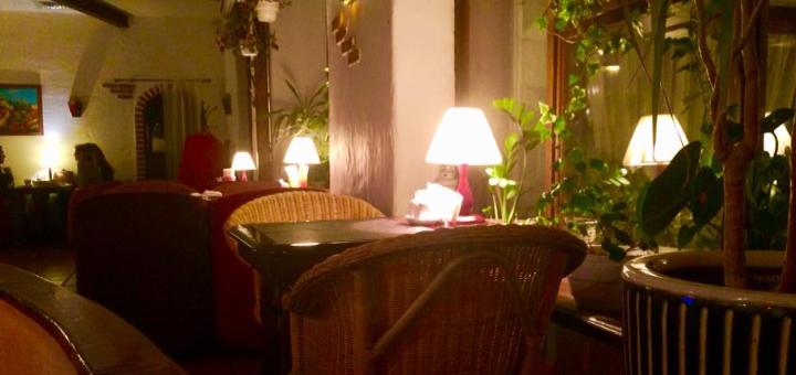 Сет морепродуктов «Crudo» и вино в итальянском ресторане «Примавера»