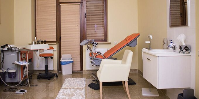 Обстеження гінеколога і скринінг на рак шийки матки у приватній клініці «Династія»