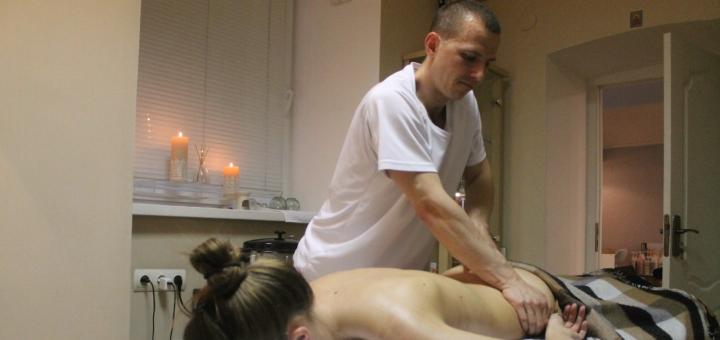 Іспанський релакс-масаж усього тіла в масажному кабінеті «Artmassage»