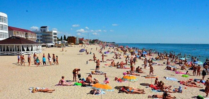 От 3 дней отдыха в бархатный сезон с питанием в отеле «Миндаль» в Затоке на Черном море