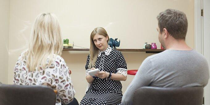 До 3 сеансов курса «Конфликты в детско-родительских отношениях» от Таисии Остроушко