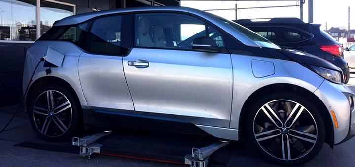 Шиномонтаж 4 колес радиусом от R13 до R22 для легковых автомобилей от компании «Garazh»