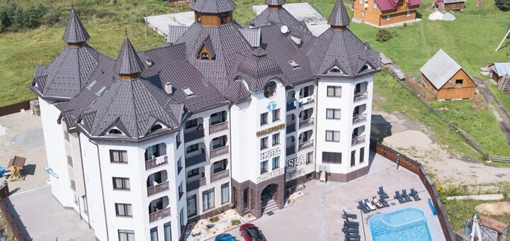 От 3 дней с завтраками, открытым бассейном с подогревом и SPA в отеле «Diamond» 4* в Буковеле