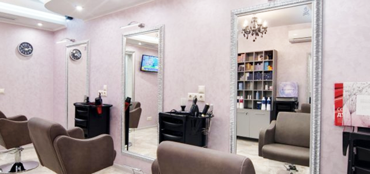 Женская стрижка с укладкой или коктейльная укладка в студии красоты «Flamingo beauty studio»