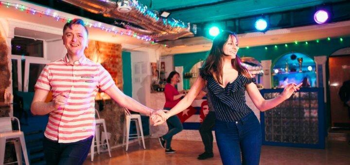 До 16 занятий латиноамериканскими танцами в школе танцев «Agua»