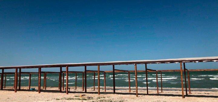 От 3 дней отдыха в августе в курортном комплексе с бассейном «Чайка» на Арабатской Стрелке