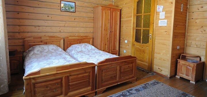 От 3 дней осеннего отдыха с завтраками и бассейном в отеле «Гірський Світанок» в Карпатах