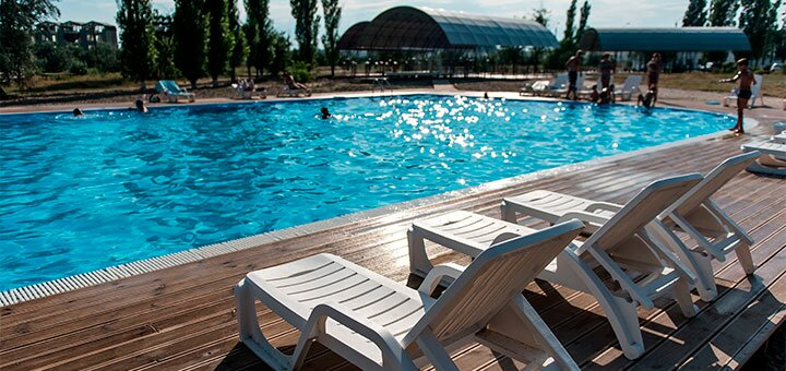 От 3 дней отдыха в бархатный сезон на базе отдыха «Кипарис» в Коблево на Черном море