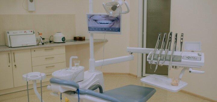 Установка пломбы и лечение глубокого кариеса в стоматологической клинике «Monolit Dent»