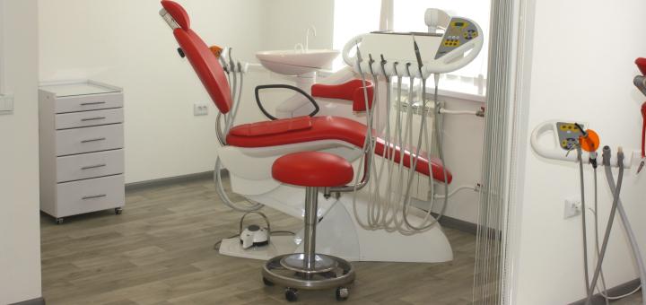 Знижка до 51% на встановлення імплантів у стоматологічній клініці «Стоматологія БМ»