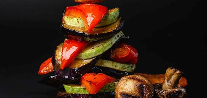 До 2 порций куриных крылышек и овощей-гриль в автокафе «Мой Drive»