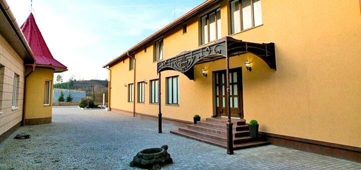 От 3 дней на Рождество и зимой с сауной и крытым бассейном в SPA-отеле «Иллара» в Закарпатье