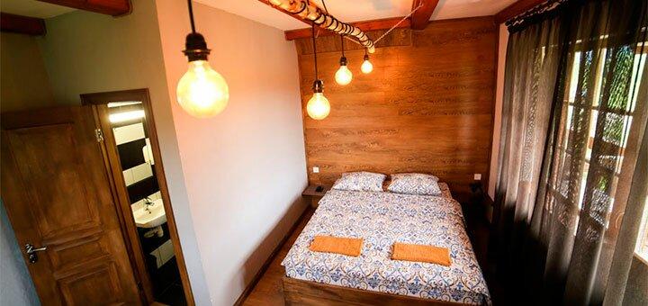 От 3 дней отдыха с баней, велосипедами и сном на ульях в отеле «Villa Buhiv» в Сходнице