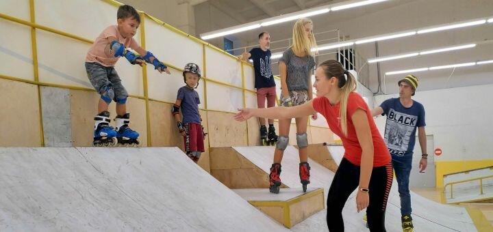 До 2 часов проката и катания на роликах в скейтпарке и роллердроме «Рола-Коло»