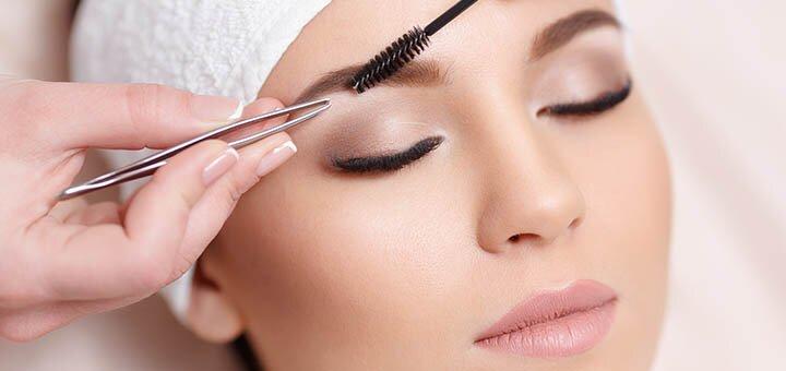 Коррекция и окрашивание бровей и ресниц в салоне красоты «Beauty bar Flamingo»