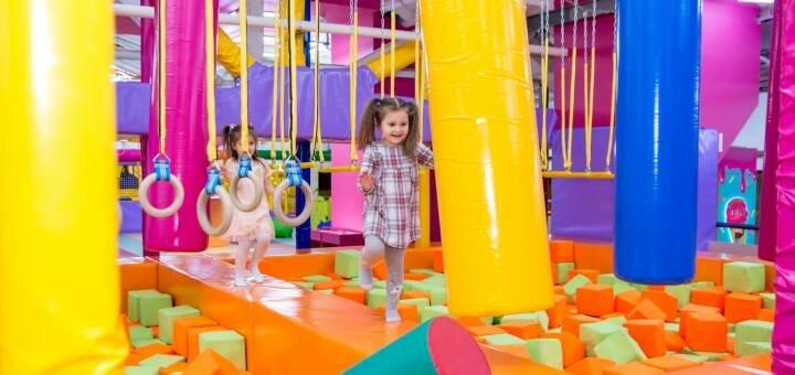 Входной билет в детский парк развлечений «Детская планета Cosmopolite Multimall» в будние дни