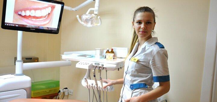 Лечение кариеса с установкой фотополимерной пломбы в стоматологическом центре «Uniqum Clinic»
