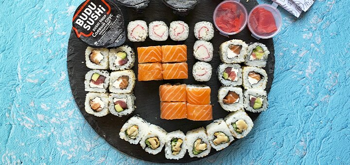 Скидка 56% на суши-box «Для четверых» от сети суши магазинов «BuduSushi»