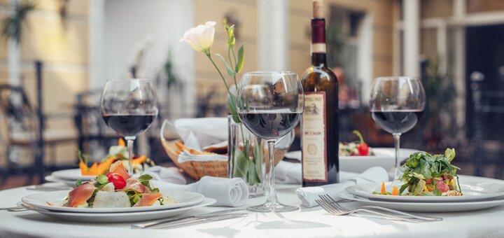 От 2 дней отдыха с завтраками и посещением сауны в отеле «Одесский дворик»