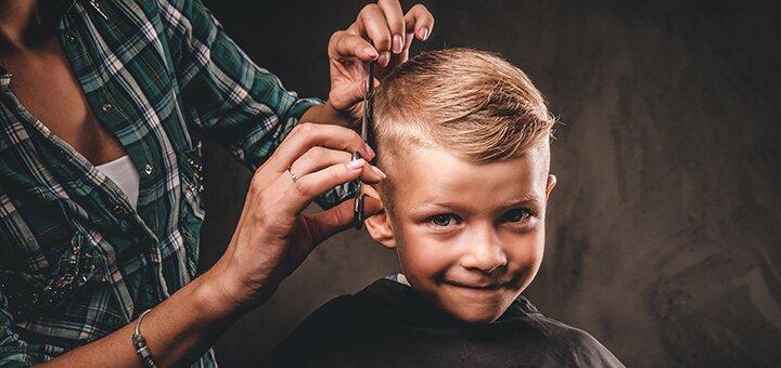 Детская стрижка для мальчиков в барбершопе «BarberShop 99»