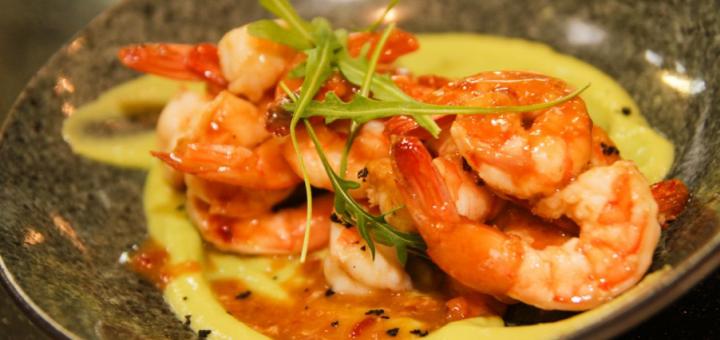 Скидка 40% на все меню кухни и бара в ресторане «Mani»