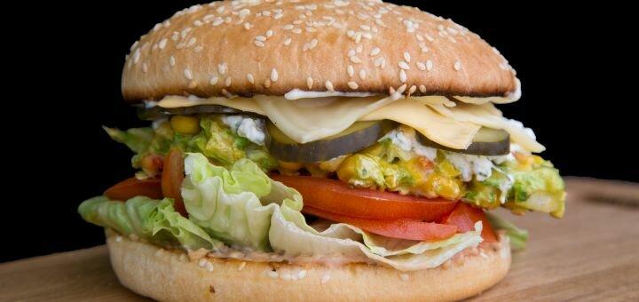 Знижка 50% на все меню бургерів з доставкою від «Night Burger»