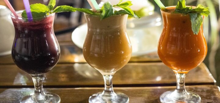 Cвиная рулька «Айсбайн» с гарниром и напитками в «Garne cafe»