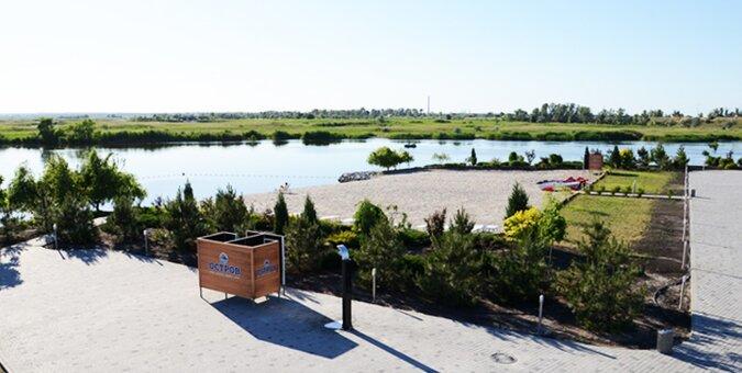 2 дня загородного отдыха в отеле «Остров River Club» в Днепропетровской области