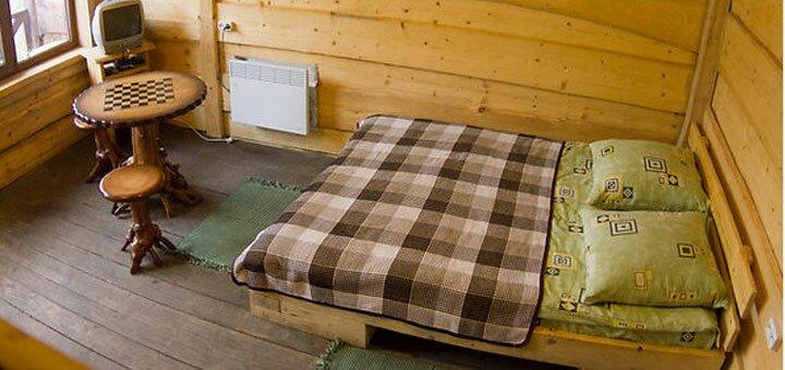 От 6 дней отдыха в высокий сезон в домиках усадьбы «Аляска» в Карпатах