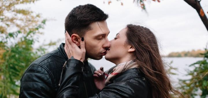 Выездная фотосессия для влюбленных с печатью на холсте от Левченко Константина