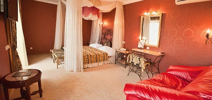 От 2 дней зимнего отдыха с завтраками, бассейном и сауной в SPA-отеле «Dodo» в Житомире