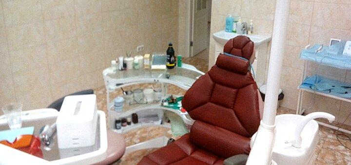 Комплексная чистка зубов в стоматологической клинике «Дерманского»